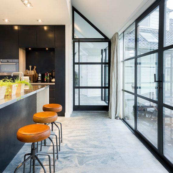 Moderne keuken, blauwstaal, JP Walker