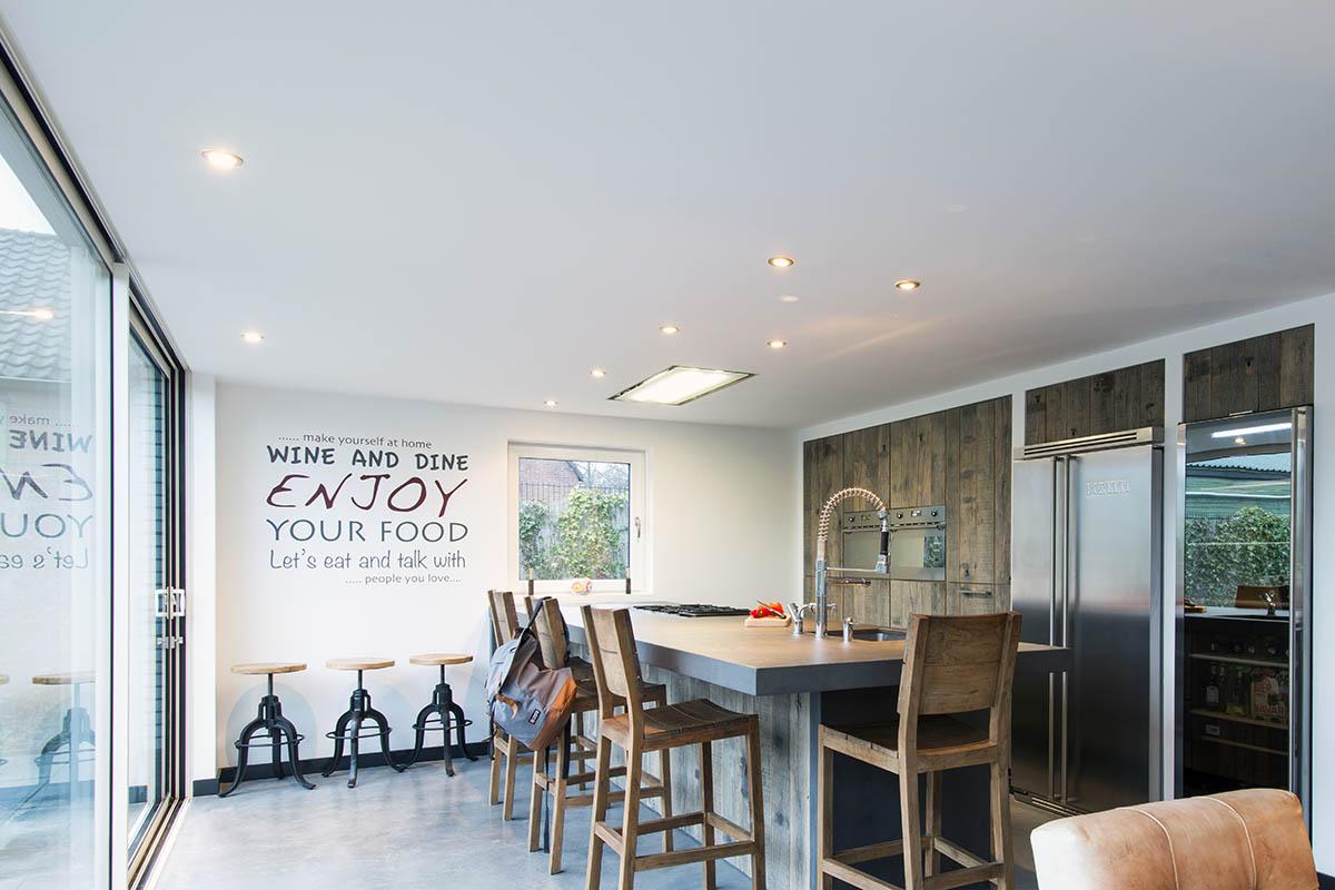 Keuken Design Nieuwegein : Wagonplanken keuken met ruw beton gemaakt door jp walker
