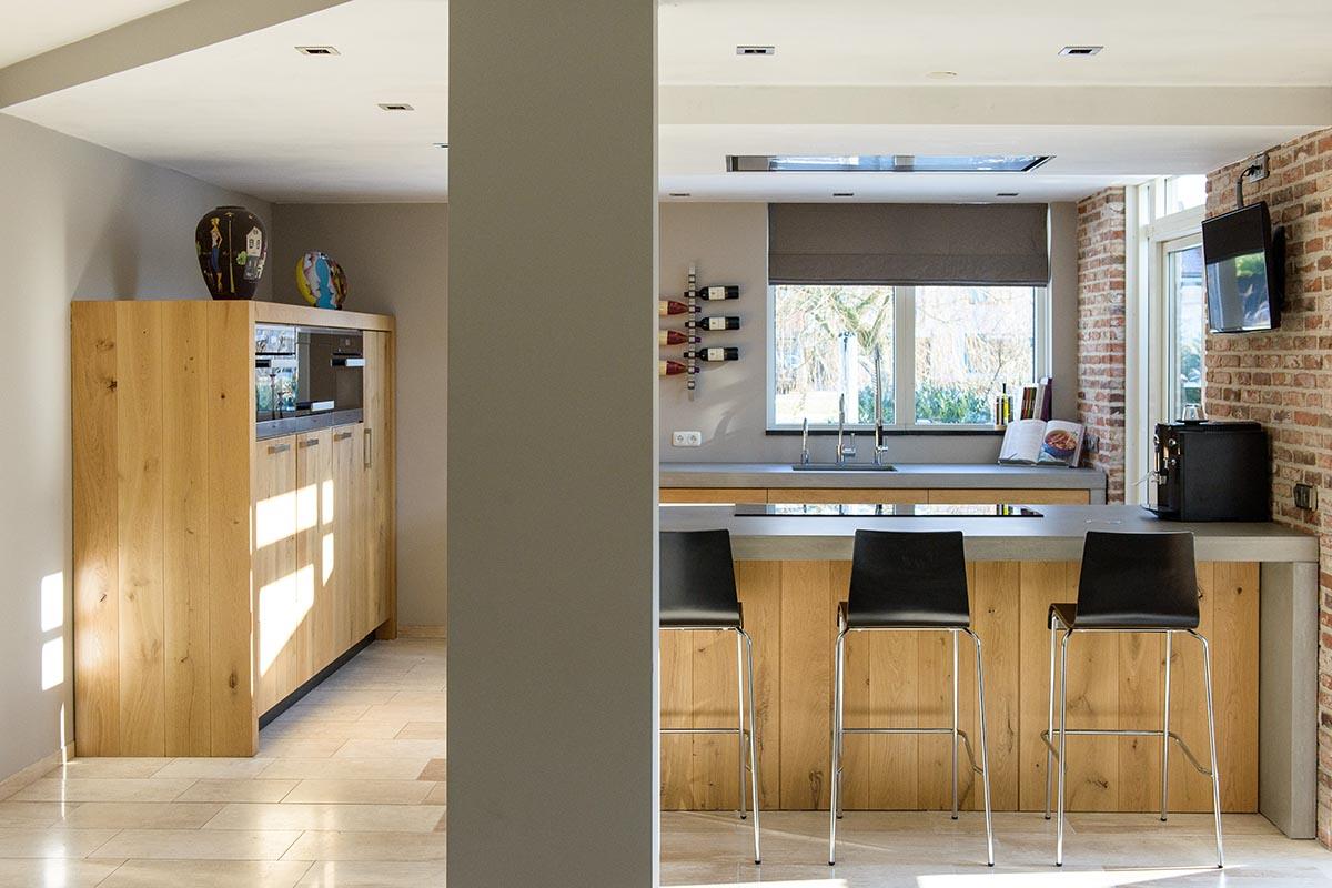 Keuken Met Beton : Eiken keuken met betonnen blad intia