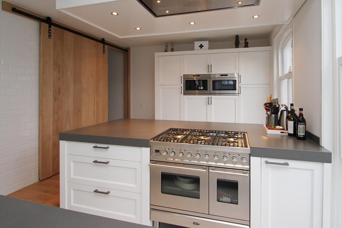 Keuken Houten Schiereiland : Voor een klassiek houten keuken ga je naar jp walker in veenhuizen