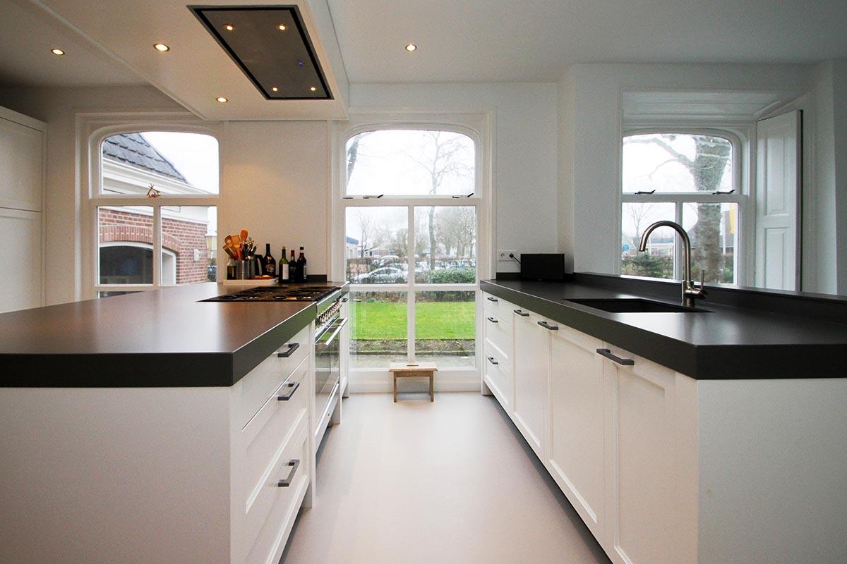 Witte Keuken Sfeer : Voor een klassiek houten keuken ga je naar jp walker in veenhuizen