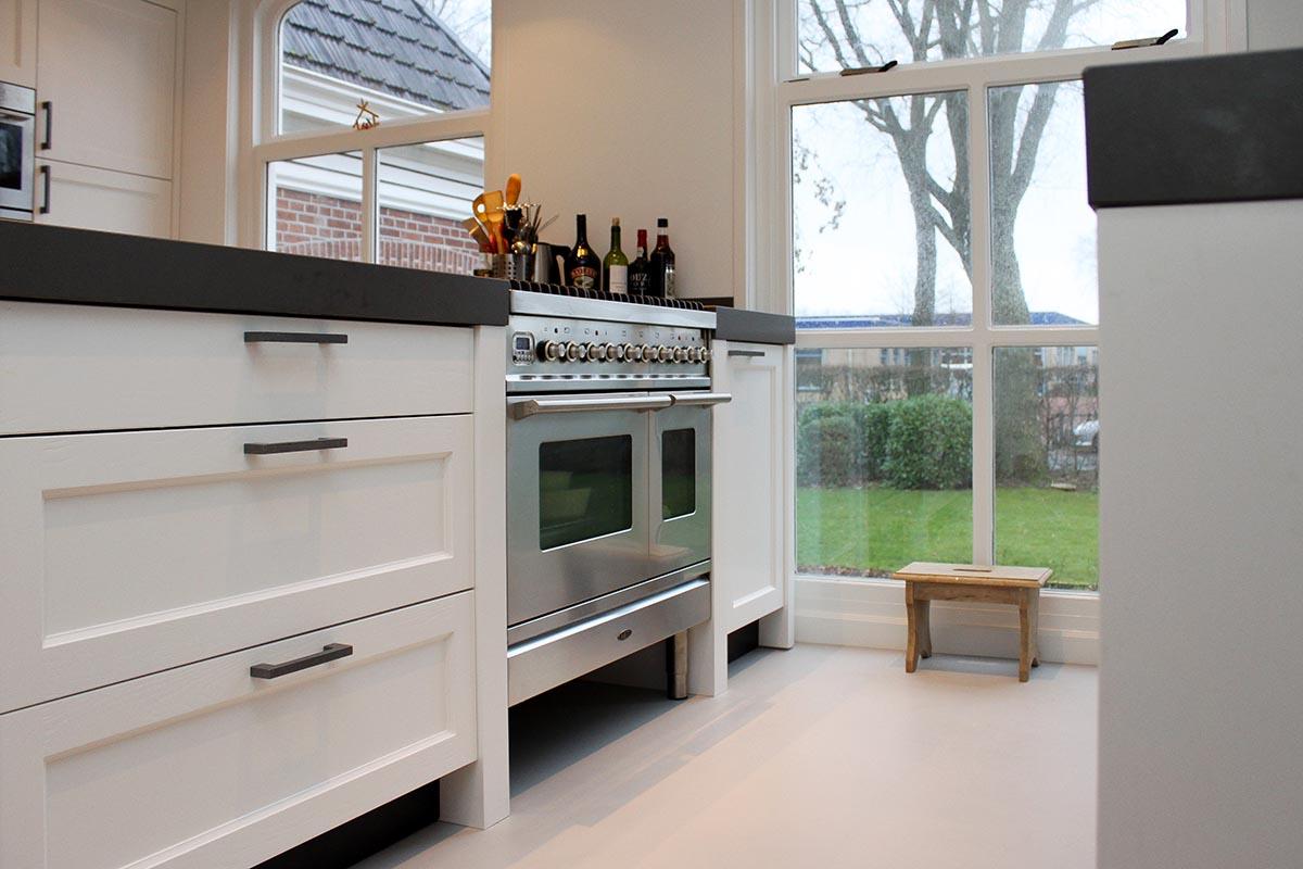 Wit Stoere Keuken : Voor een klassiek houten keuken ga je naar jp walker in veenhuizen