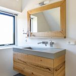 Ruw eiken badkamermeubel met spiegel