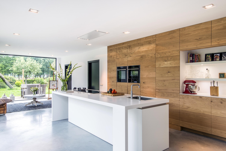 Moderne warme houten keuken
