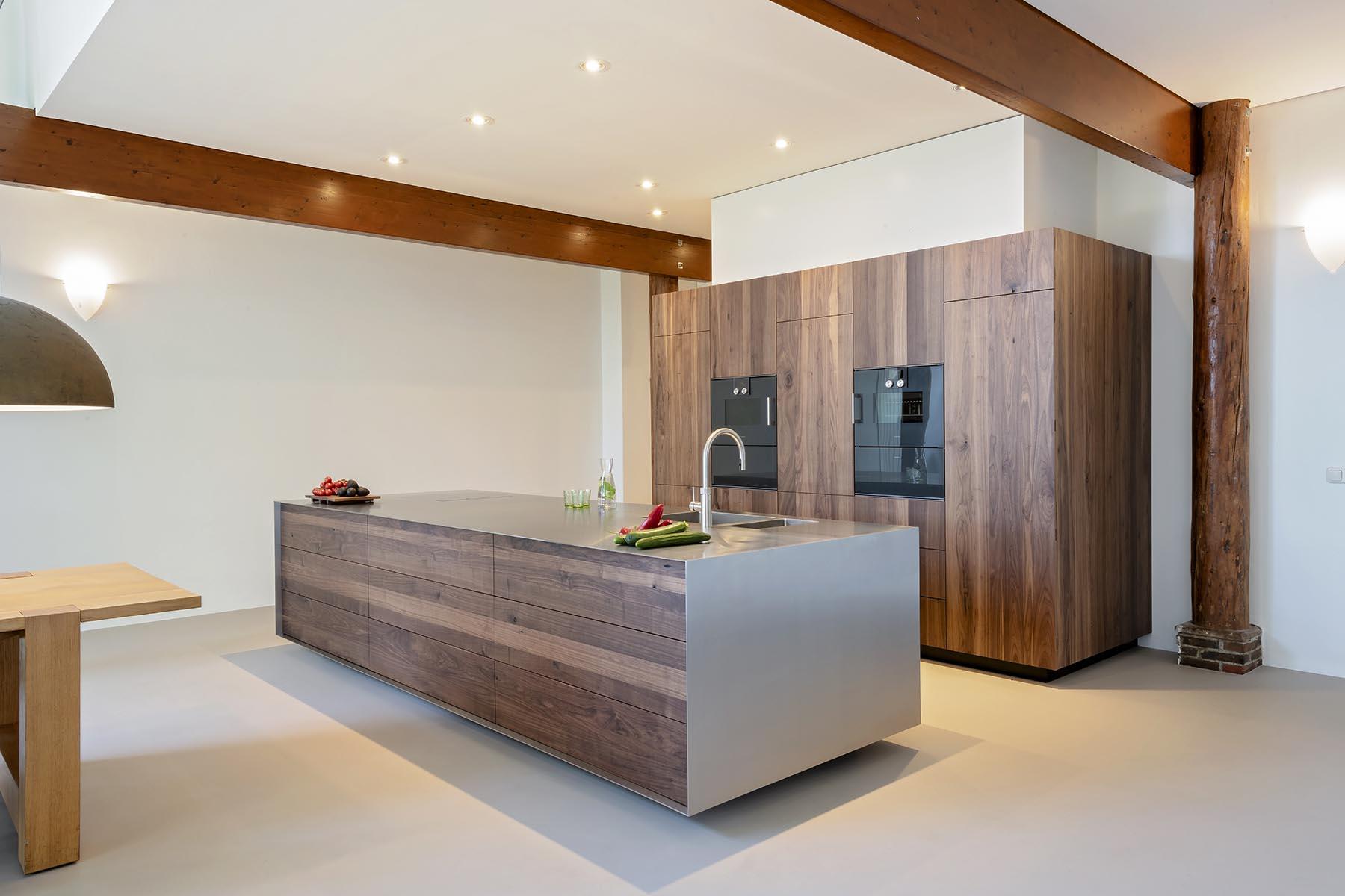 maatwerk notenhouten keuken
